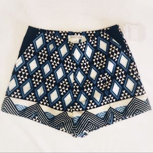 Loveriche Blue/Black Patterned shorts. Sz S